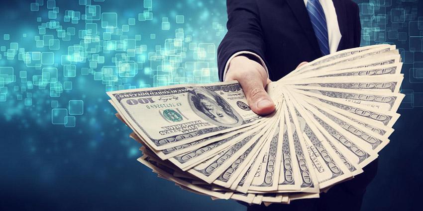 حریری: مردم حق دارند که دلار میخرند