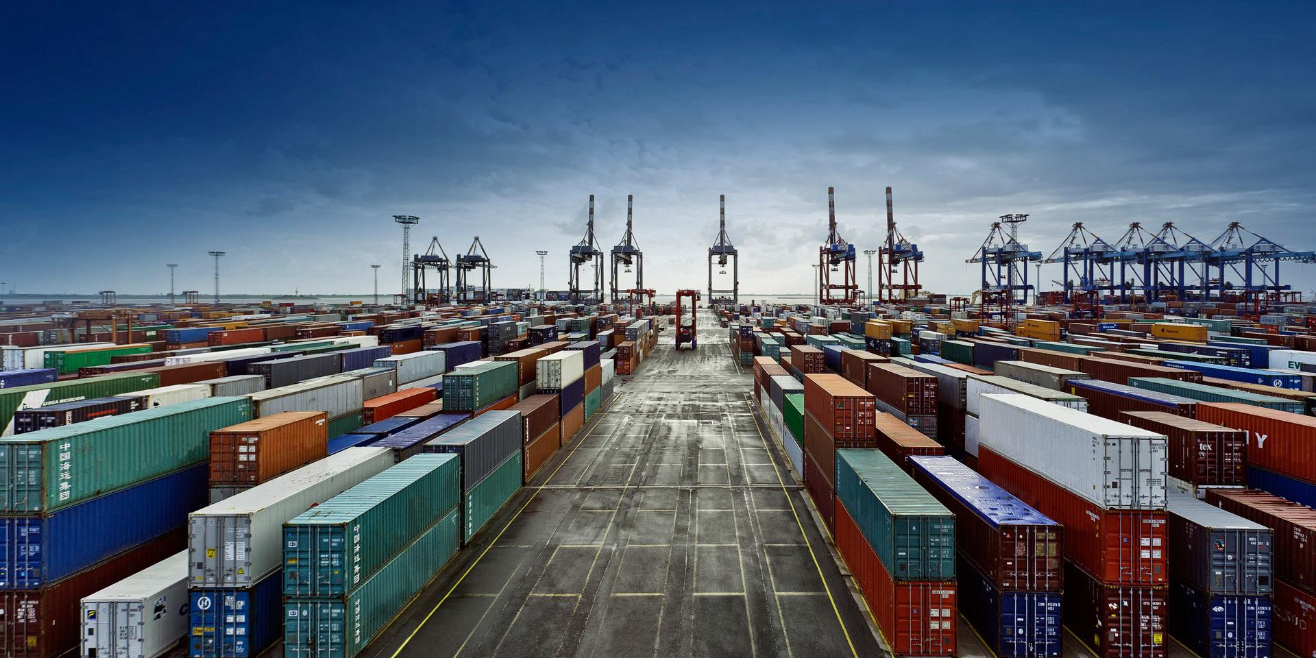 افزایش ۱۵ درصدی صادرات غیرنفتی در فروردین