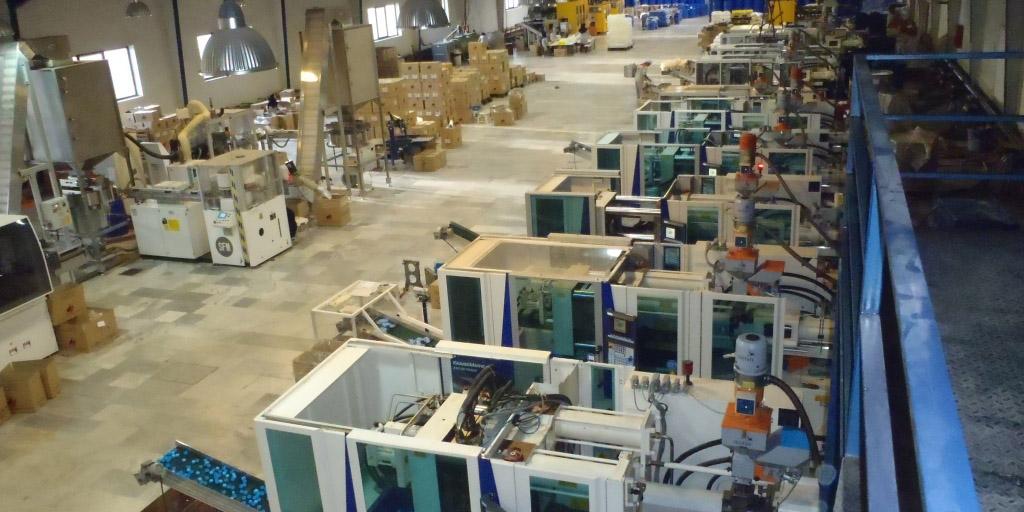 تولیدکنندگان ایرانی باید راه تولید کالاهای با کیفیت را یاد بگیرند