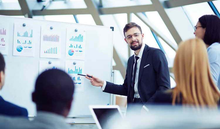 در شروع کسبوکار، به چه نوع افرادی در تیم نیاز دارید