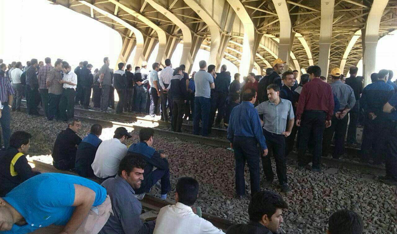 تجمع روی ریل راهآهن