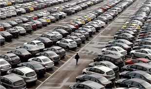خودروسازان قصد دارند خودرو را با قیمت دلار روز به مردم بفروشند