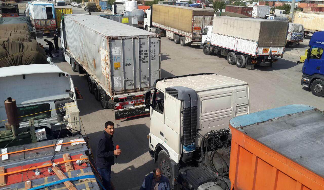 تعدد کامیون در کشور باعث کاهش بار و  میزان کرایه حمل شده است