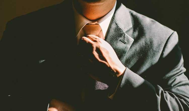 راز و رمز گذر از ریاست به رهبری چیست