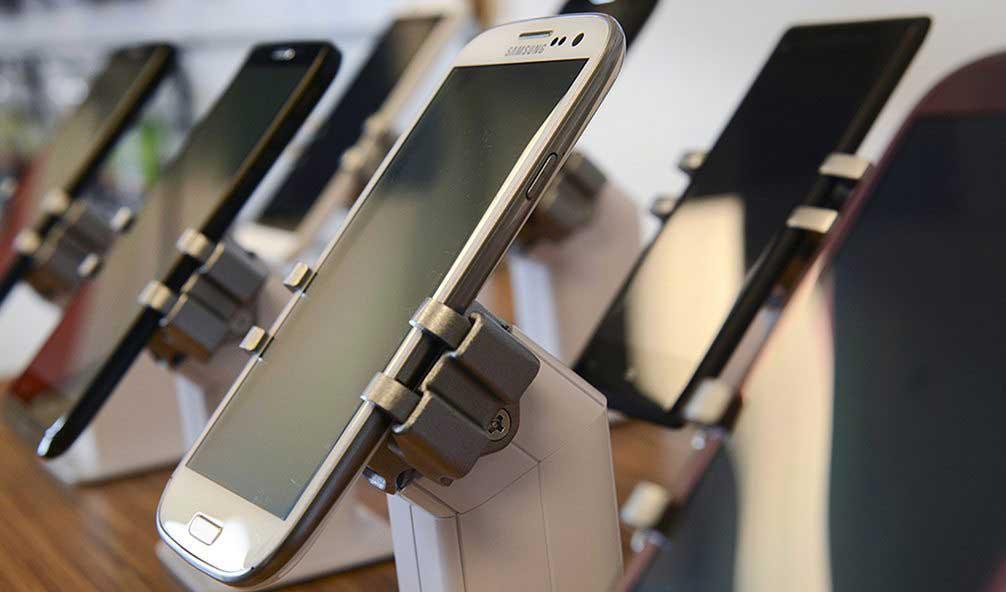 رونق واردات تجاری موبایل با استفاده از معافیتهای مسافری/ رجیستری را دور زدند