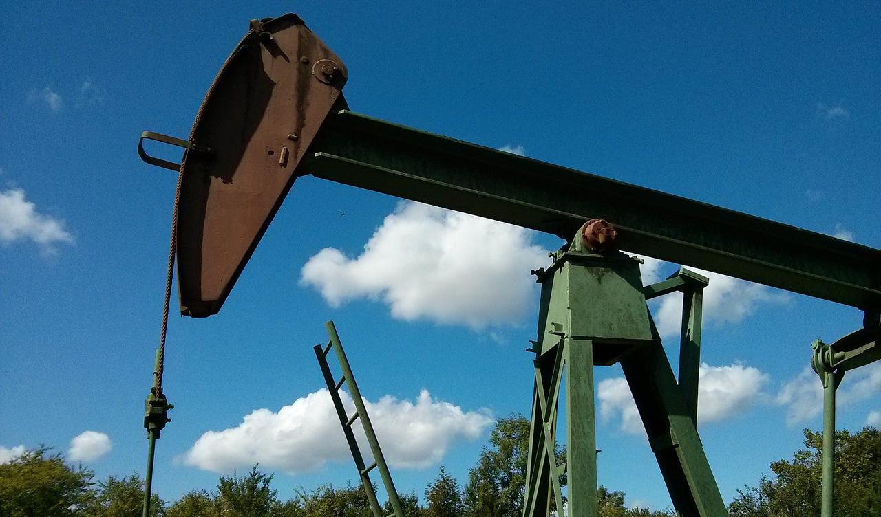 بازار نفت نگران تحریم ایران/ احتمال صعود قیمت به بالای ۹۰ دلار