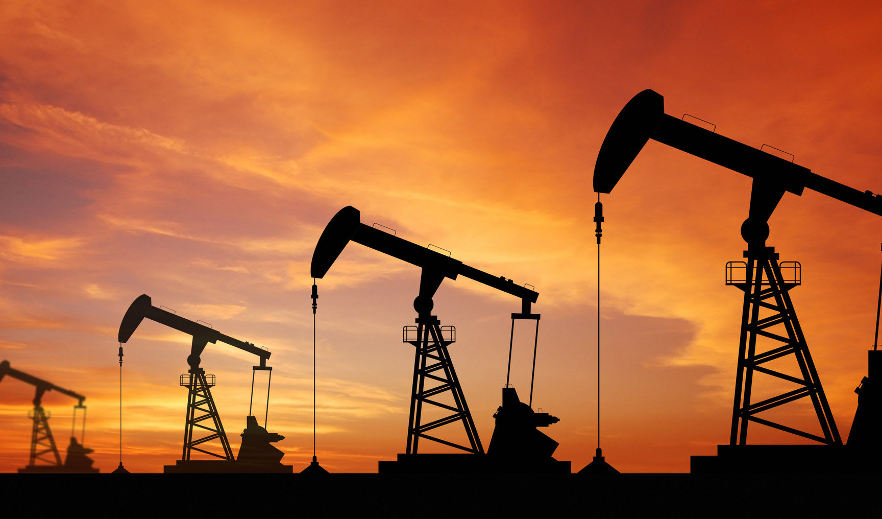 افزایش قیمت نفت در پی کاهش ذخایر سوخت آمریکا و در آستانه آغاز تحریمهای ایران