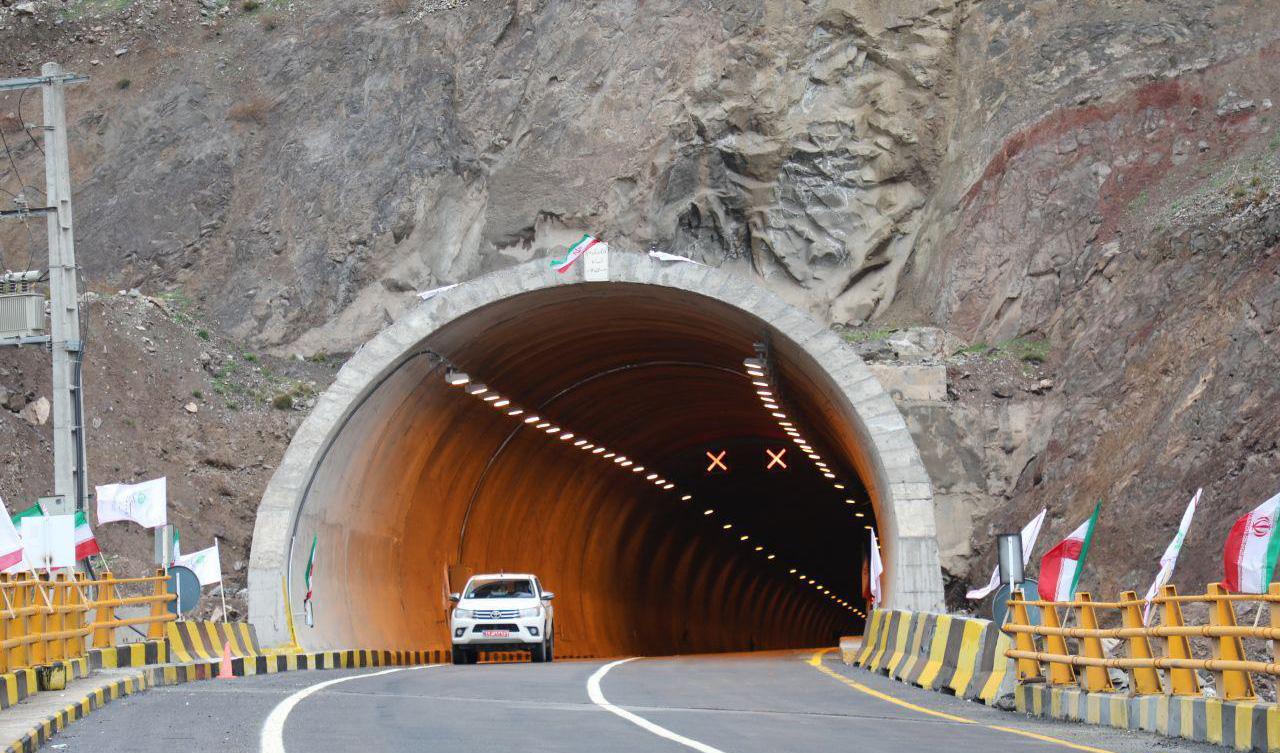 پایان ساخت سازه های منطقه یک آزادراه تهران-شمال تا پایان سال