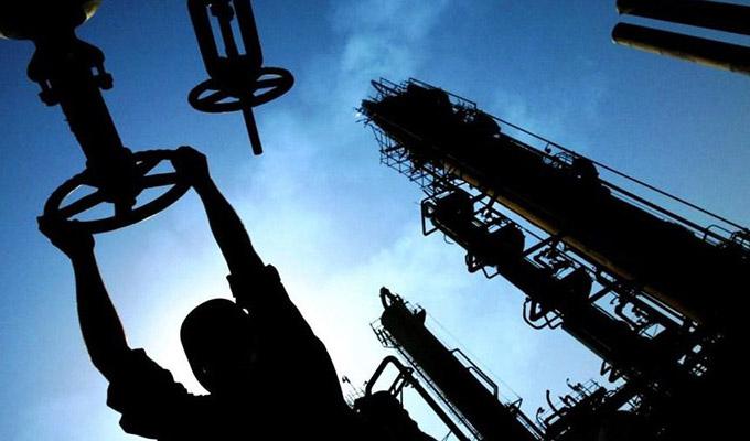مازاد عرضه نیم تا یک میلیون بشکه نفت در روز در سال 2019