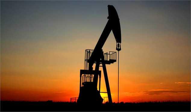 کاهش قیمت نفت همزمان با افزایش سطح تولید آمریکا