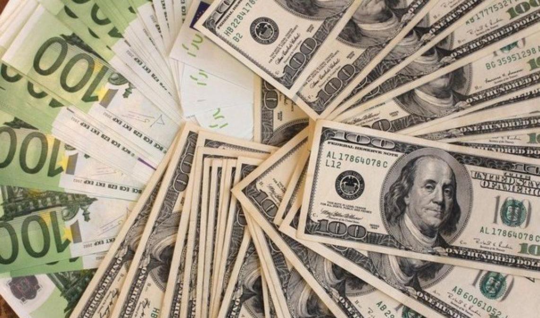 اتحادیه اروپا به دنبال به چالش کشیدن سلطه دلار به نفع یورو