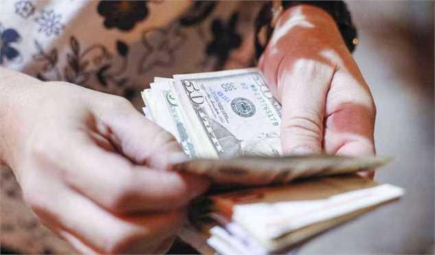 مقابله بازارساز با نوسانگیران متغیر اثرگذاری که منجر به تغییر مسیر دلار شد