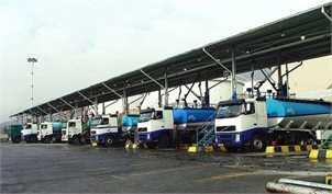 کامیون های عراقی در چذابه سوخت رابه قیمت روز خریداری میکنند