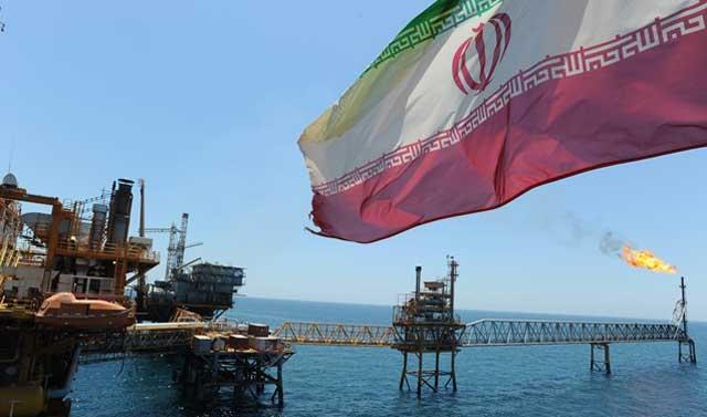 امضای 9 قرارداد نفتی به ارزش یک میلیارد دلار با شرکت های داخلی