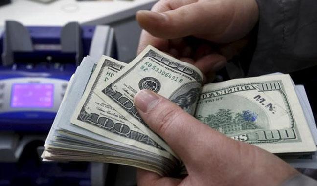 ارزش دلار در برابر همتایانش کاهش یافت
