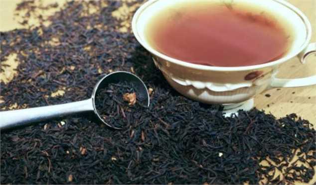 واردات چای با ارز ۴۲۰۰ تومانی، فروش در بازار با ارز ۱۲۰۰۰ تومانی
