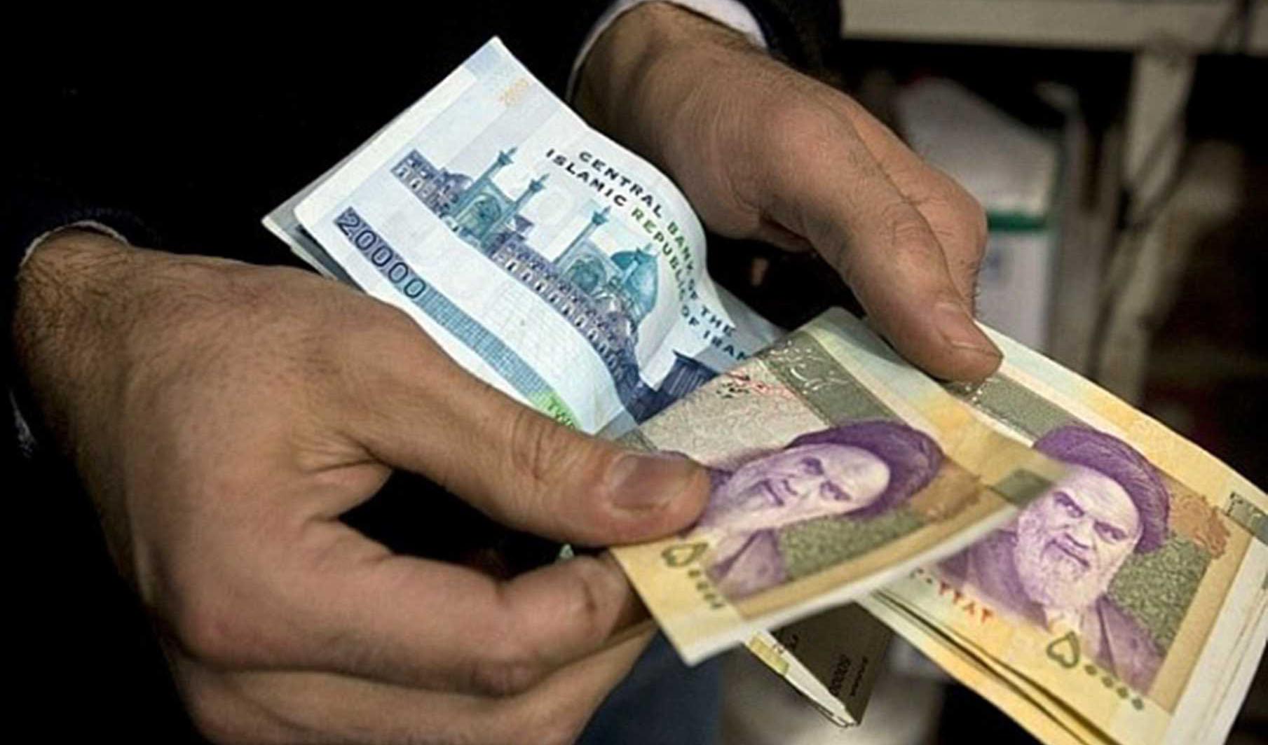 حداقل دستمزد برای کارگران باید سه میلیون و ۷۰۰ هزار تومان باشد