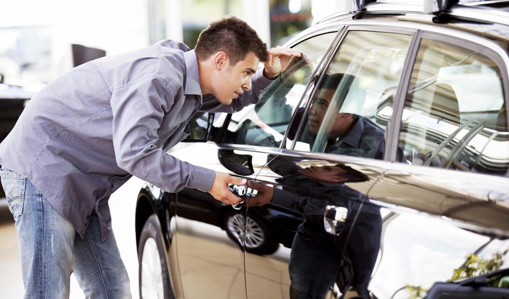سیر نزولی قیمتها در بازار خودرو