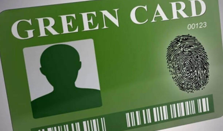 """100 نفر از مسئولان """"دو تابعیتی"""" و دارای گرین کارت هستند"""
