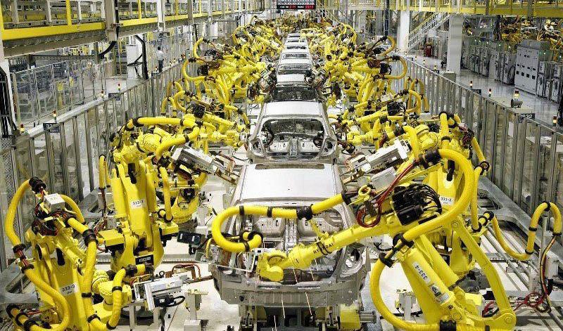 کاهش 37.8 درصدی تولید انواع خودرو در سال گذشته