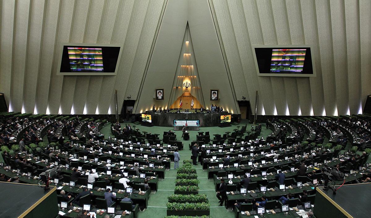 طرح تفکیک وزارت تجارت و خدمات بازرگانی از وزارت صنعت و معدن تصویب شد