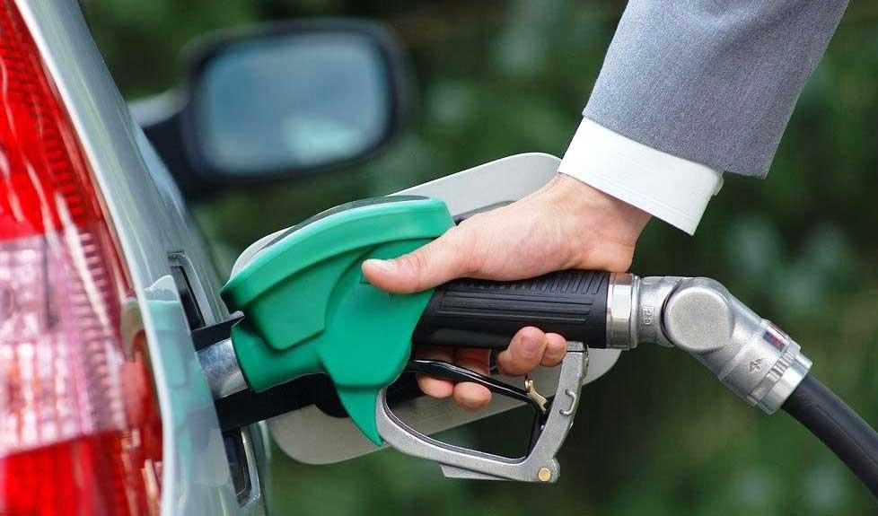 سهمیه بندی بنزین فعلا متوقف است