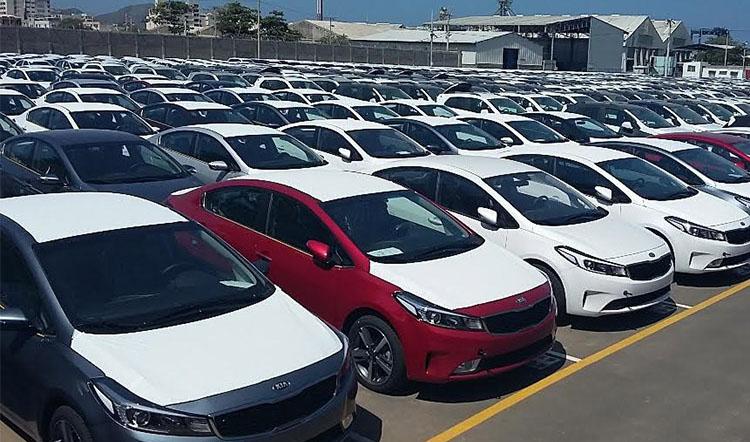 مصوبه ترخیص خودروها از گمرک تمدید شود