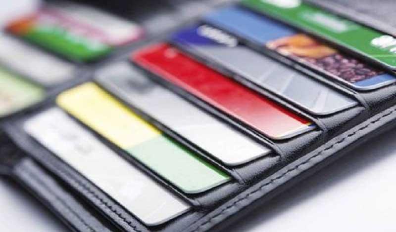 هر ایرانی صاحب ۶ کارت بانکی