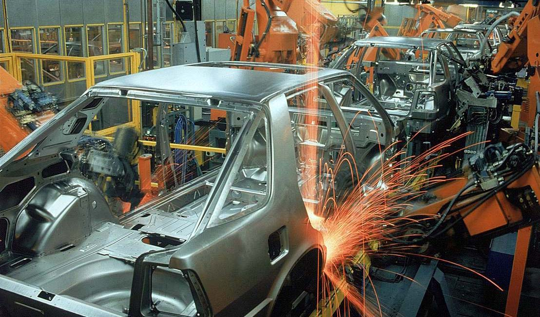 خودروها پس از تکمیل قطعات، تحویل مشتریان میشوند