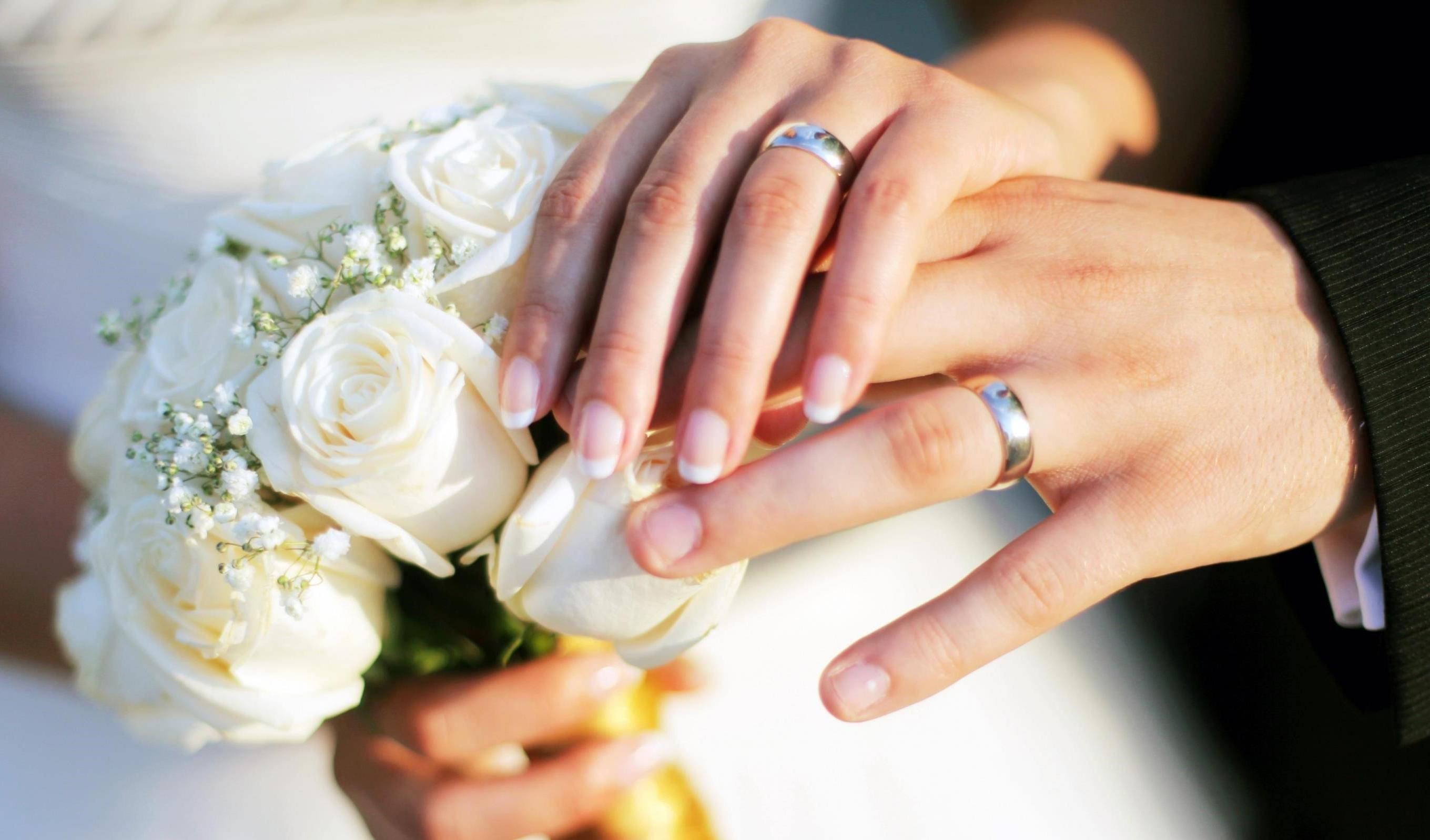 الزام بانکها به پرداخت وام ازدواج با یک ضامن و سفته