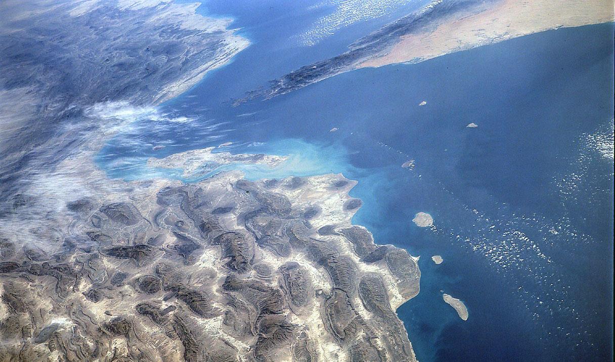 تحلیل یک سایت عربی؛ چرا امارات برای بهبود روابط با ایران تلاش میکند