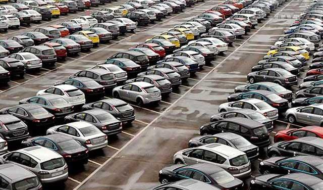 ادامه گرانفروشی خودروسازی که پروندهاش تعزیراتی شده است