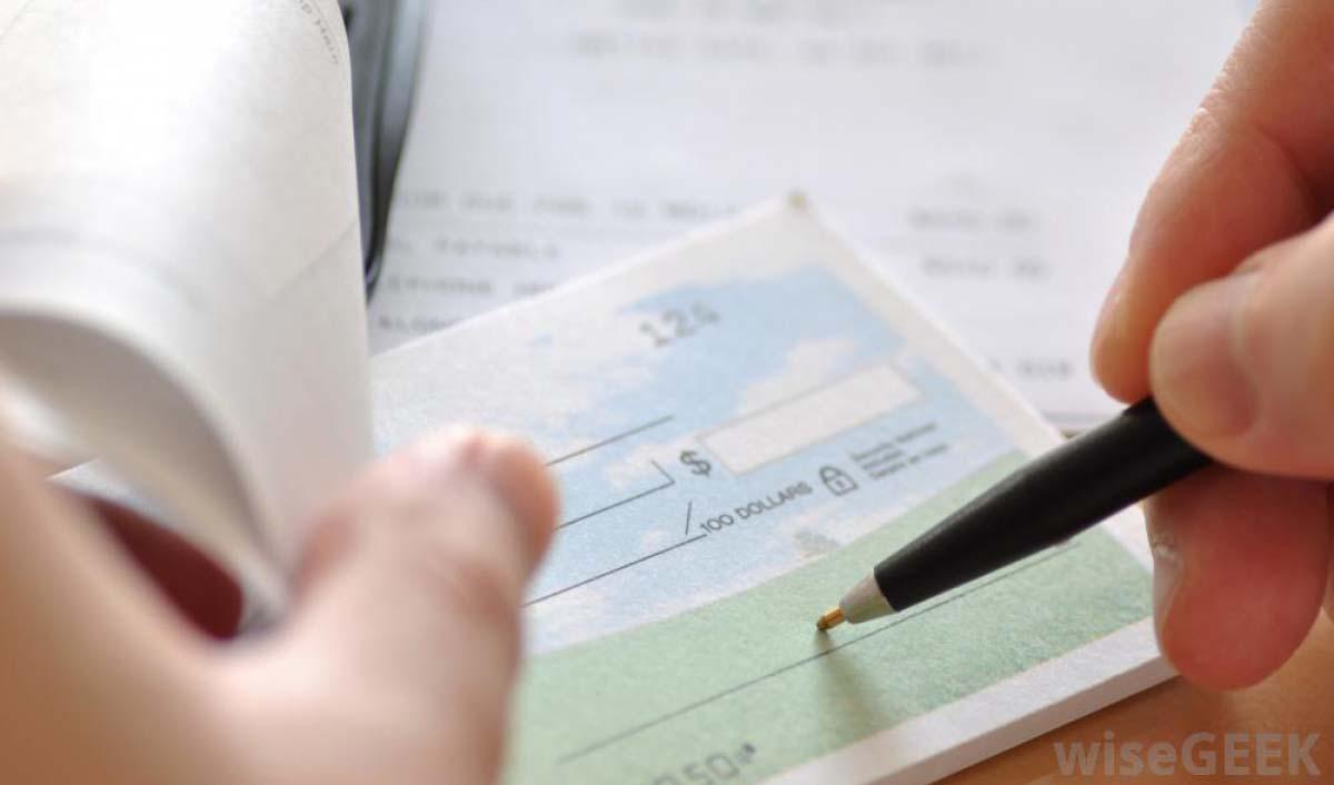 تعداد دسته چکهای هر فرد در هر بانک محدود میشود