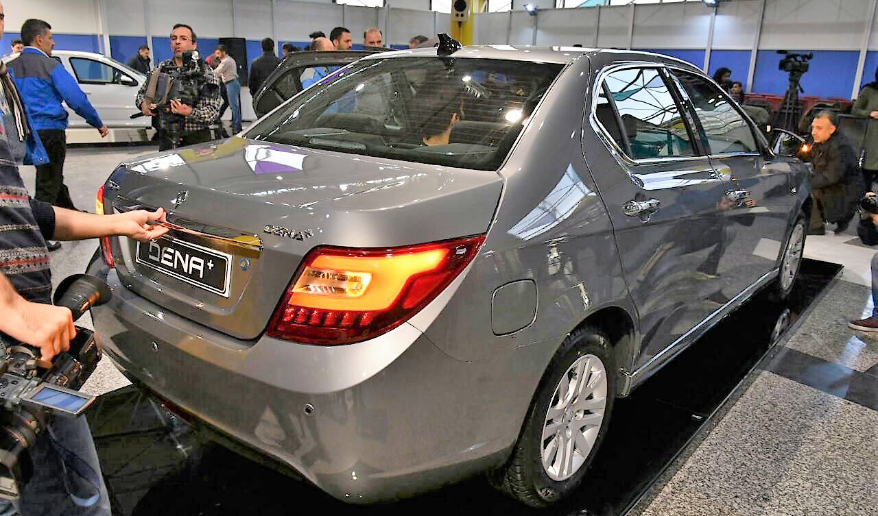 ایران خودرو در یک روز چهار هزار دستگاه خودرو تحویل مشتریان داد