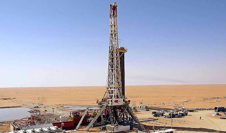 ادامه تولید نفت در خوزستان با وجود بارندگیها