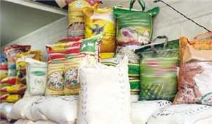 ۲۰۰ هزار تن برنج پشت درهای ورودی کشور/ سودجویان برنجهای خارجی را به کندی به بازار تزریق میکنند