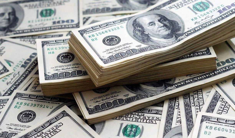 دلار از همتایان جهانیاش جلو زد