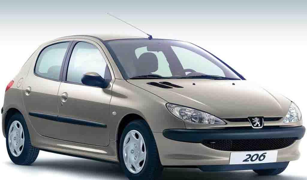 حذف آپشن از خودروهای تحویل فوری؛ آیا ایمنی خودروها کاسته می شود؟