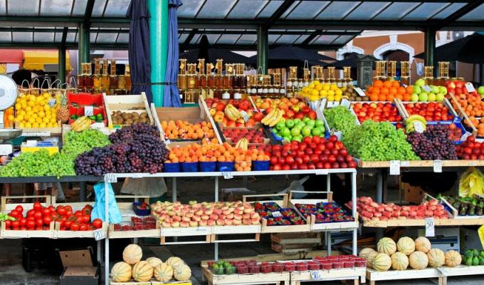 قیمت میوه کاهش مییابد