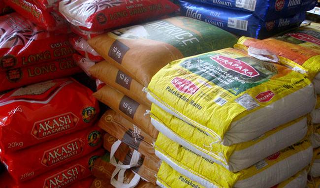 ۱۵۰۰ کانتینر برنج معطل صدور مجوزهای قانونی برای ترخیص است