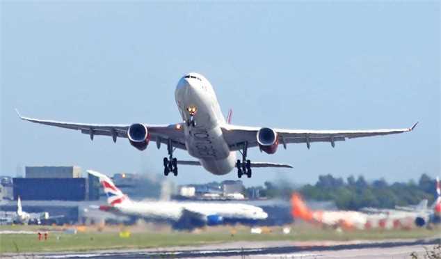 درآمد ۱۷۰۰ میلیارد تومانی شرکت فرودگاهها ازپروازهای عبوری
