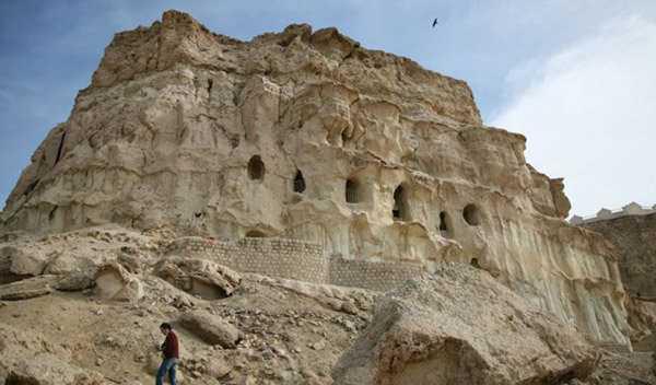 غار خوربَس، از جاذبه طبیعی قشم