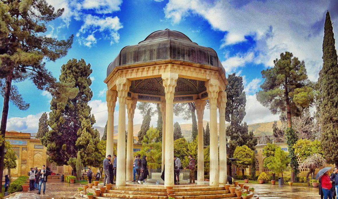سفرتان به شیراز را ارزان مدیریت کنید