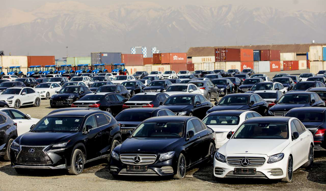 وزارت صمت مجوز ترخیص ۱۰۴۸ خودرو وارداتی را صادر کرد