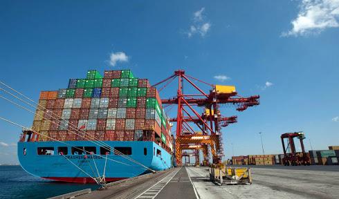 پهلوگیری و تخلیه ۳ کشتی کالای اساسی در بندر چابهار