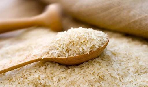 برنج در صدر گرانی کالاهای اساسی/ افزایش ۴۴ درصدی قیمت برنج در اسفند ۹۸