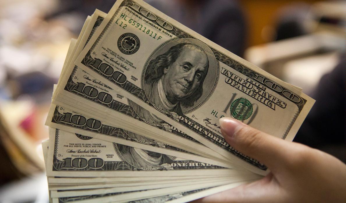 نرخ ارز آزاد در ۴ خرداد ۹۹؛ قیمت دلار و یورو تغییر نکرد