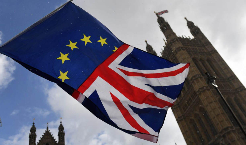 انگلیس قطب مالی اروپا می ماند