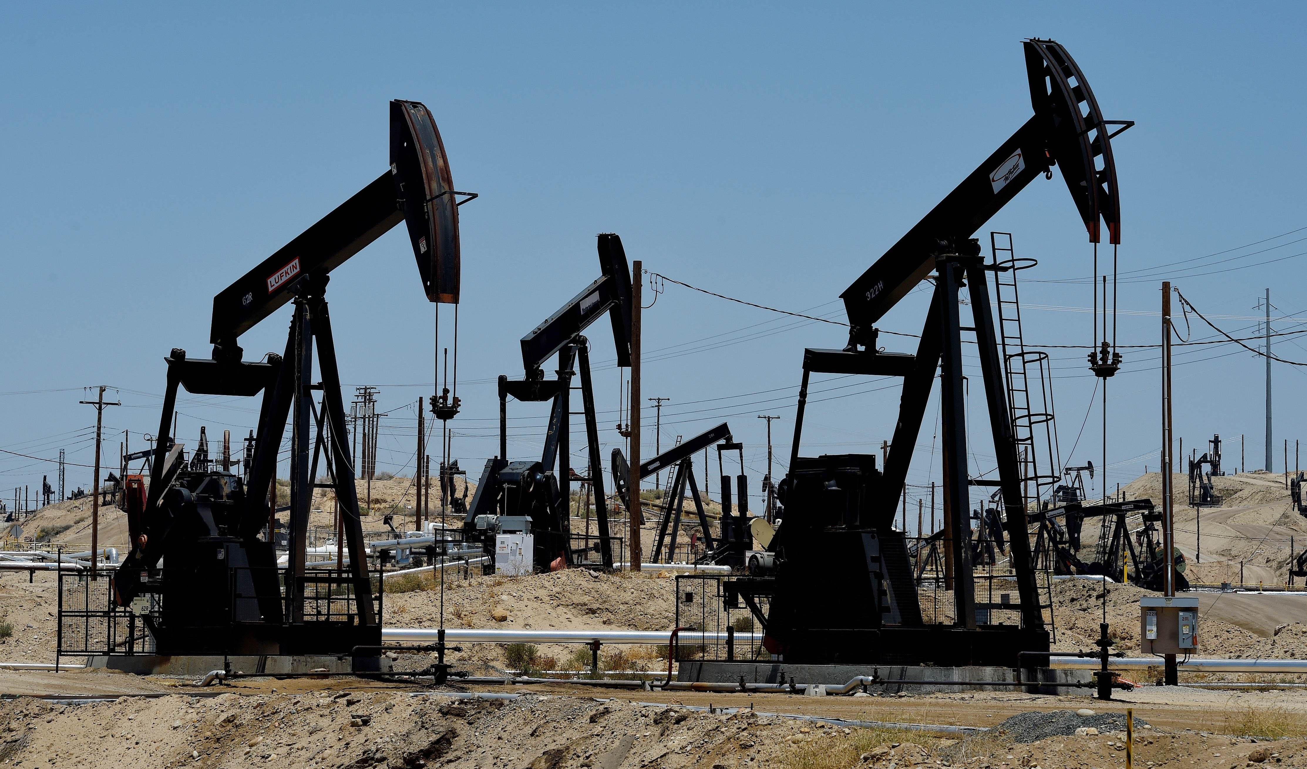 کاهش تعداد دکل های نفت و گاز آمریکا برای دوزادهمین ماه متوالی