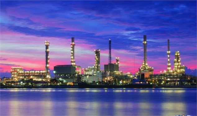 وزیر نفت: ارزش تولیدات پتروشیمی تا ۱۴۰۳ به ۳۷ میلیارد دلار میرسد